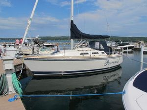 Used Pearson 28-2 Racer and Cruiser Sailboat For Sale