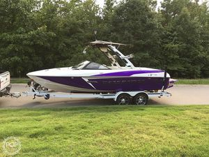 Used Malibu 22 VLX Ski and Wakeboard Boat For Sale