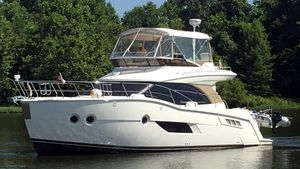 Used Carver C40 Sedan Bridge Motor Yacht For Sale