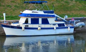 "Used Chb ""34"" Double Cabin Motor Yacht For Sale"