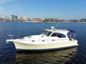 Used Mainship 34 Pilot Rum Runner Sedan Downeast Fishing Boat For Sale