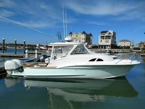 Used Winter Yachts 27 Express Sports Fishing Boat For Sale