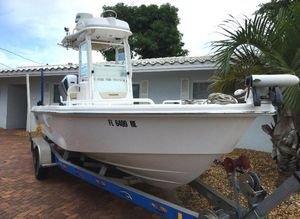 Used Everglades 243CC Center Console Fishing Boat For Sale