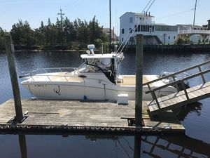 Used World Cat 266SC Catamaran Boat For Sale