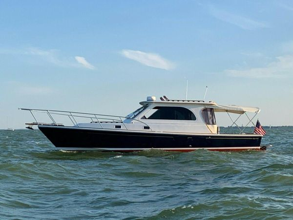 Used Hunt Yachts Harrier 36' Cruiser Boat For Sale