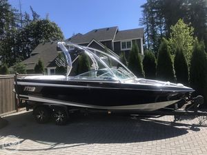 Used Mb Sports B52 Widebody 23 Ski and Wakeboard Boat For Sale