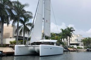 Used Lagoon 390 Catamaran Sailboat For Sale