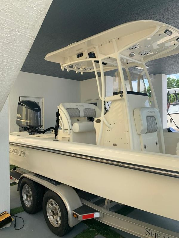 Used Shearwater 25LTZ Center Console Fishing Boat For Sale