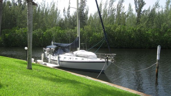 Used Ericson Racer and Cruiser Sailboat For Sale