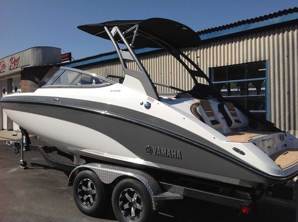 New Yamaha Boats 212SE Jet Boat For Sale