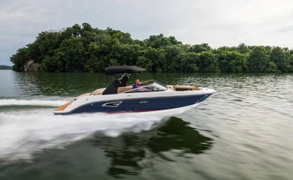 New Sea Ray SLX 230 Runabout Boat For Sale