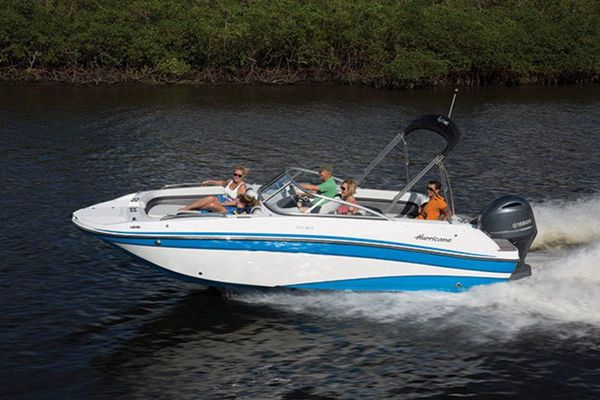 New Hurricane SunDeck 217 OB Deck Boat For Sale