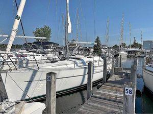 Used Beneteau 323 Sloop Sailboat For Sale