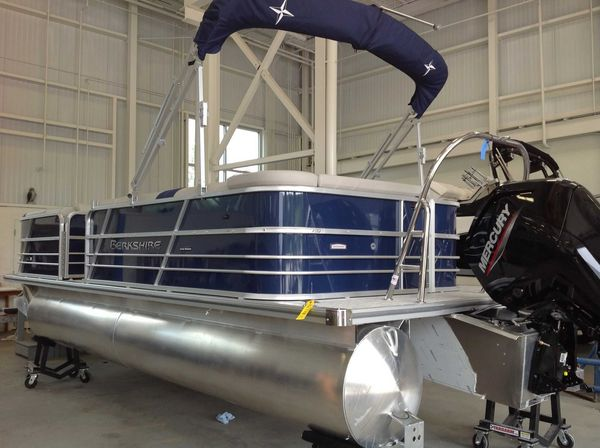 New Berkshire 22CL LE Pontoon Boat For Sale