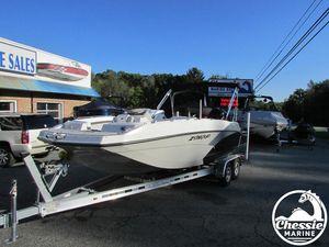 New Starcraft SVX 211 OB Deck Boat For Sale
