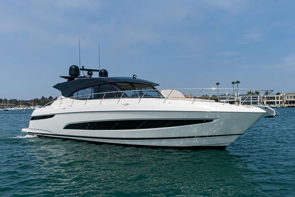 New Riviera 5400 Sport Yacht Motor Yacht For Sale