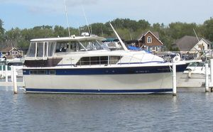 Used Chris-Craft 410 Constellation Motor Yacht For Sale