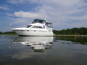 Used Cruisers Yachts 3650 Motoryacht Motor Yacht For Sale