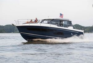 Used Jeanneau NC 1095 Cruiser Boat For Sale