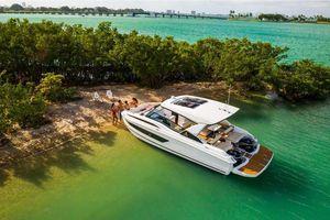 New Aquila 32 Mega Yacht For Sale