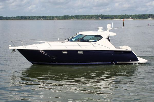 Used Tiara 4300 Sovran Express Cruiser Boat For Sale