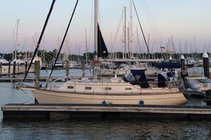 Used Island Packet 320 Cruiser Sailboat For Sale