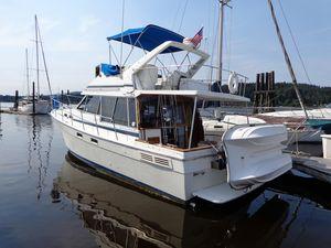 Used Bayliner 3218 Diesel Trawler Boat For Sale