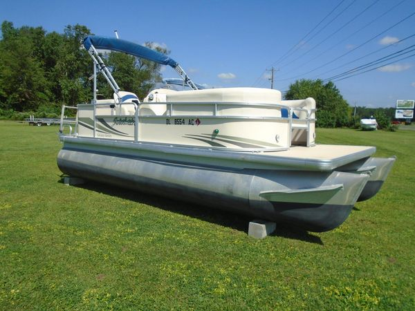 Used Sweetwater Tuscany 2080 RE Pontoon Boat For Sale