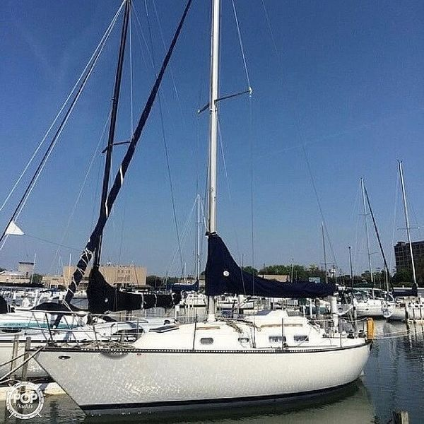 Used Pearson 31 Racer and Cruiser Sailboat For Sale