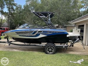 Used Regal 1900 ESX Surf Ski and Wakeboard Boat For Sale