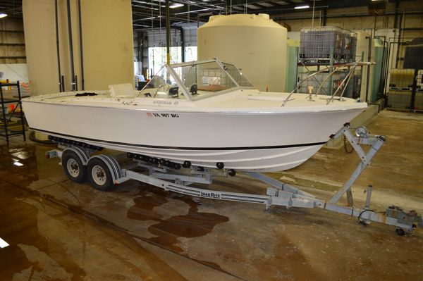 Used Bertram 25 Moppie Cuddy Cabin Boat For Sale