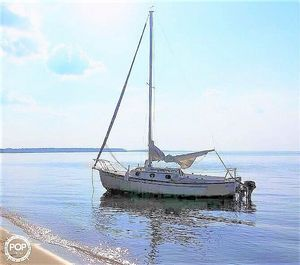 Used Com-Pac 23/3 Daysailer Sailboat For Sale