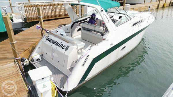 Used Regal Commodore 300 Express Cruiser Boat For Sale