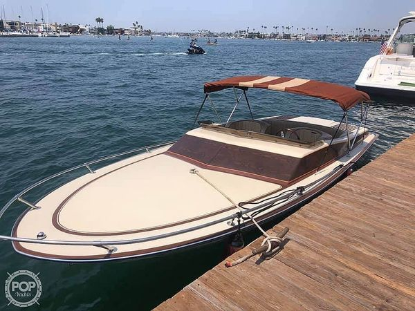 Used Spectra Day Cruiser Ski and Wakeboard Boat For Sale