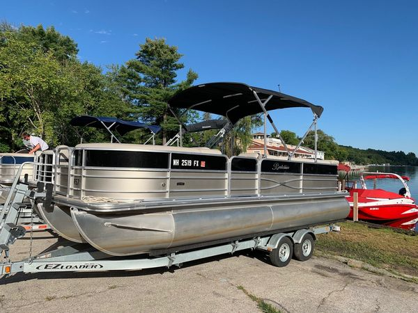Used Berkshire 24CL CTS 2.75 Pontoon Boat For Sale