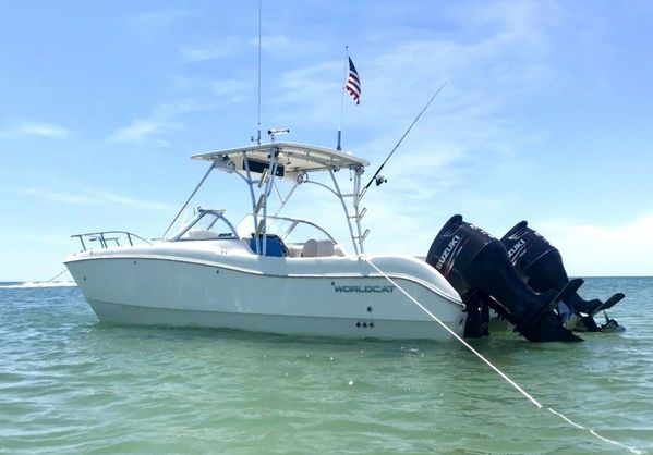 Used World Cat 250 DC Catamaran Boat For Sale