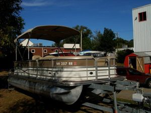 Used Berkshire 24CL CTS Pontoon Boat For Sale