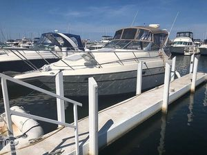 Used Maxum 2800 SCR Express Cruiser Boat For Sale