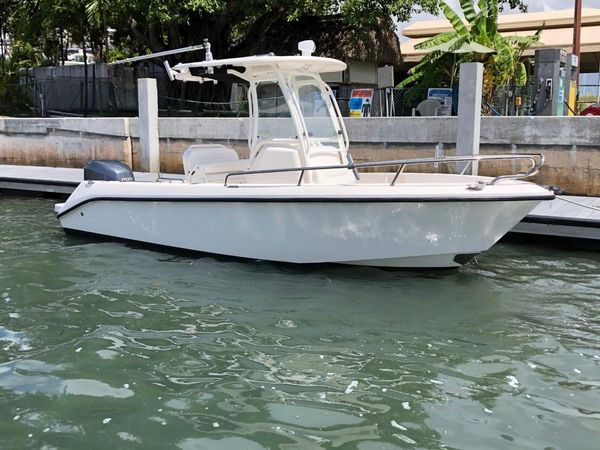 Used Everglades 210cc Center Console Fishing Boat For Sale