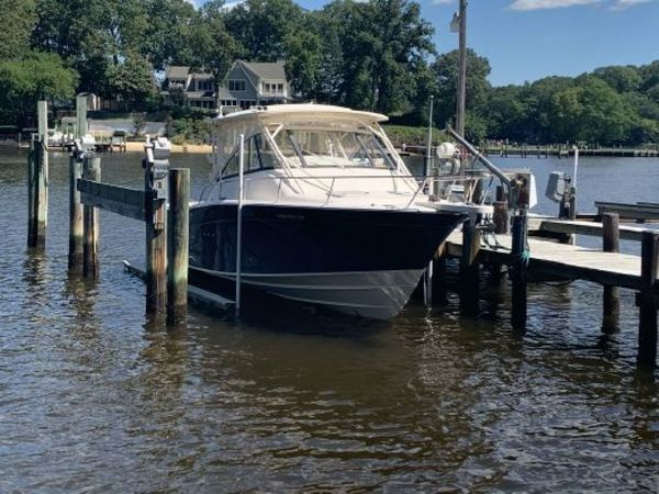 Used Grady-White 330 Express Dual Console Boat For Sale