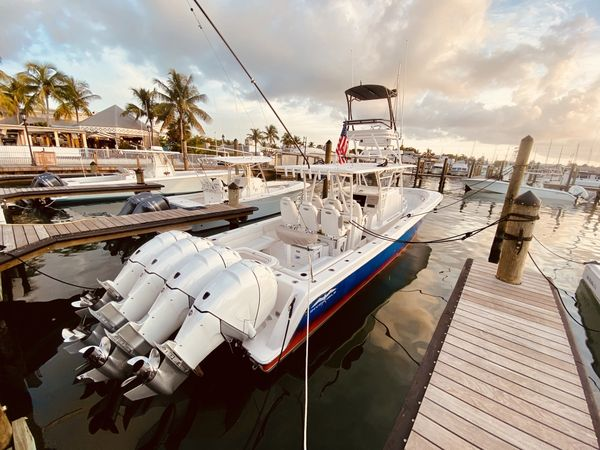 Used Invincible Center Cabin Center Console Fishing Boat For Sale