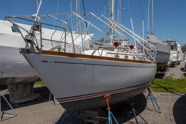 Used Bristol 38.8 Racer and Cruiser Sailboat For Sale