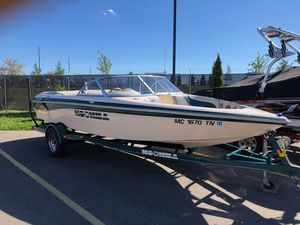 Used Moomba Outback LSV Ski and Wakeboard Boat For Sale
