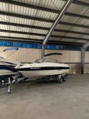 Used Stingray 208LS Express Cruiser Boat For Sale