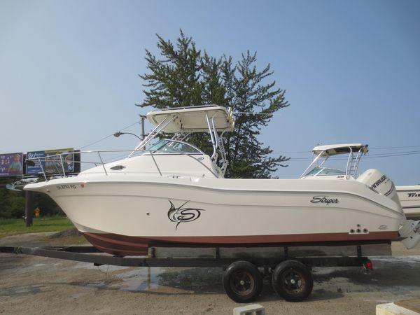 Used Seaswirl Striper 2605 WA Walkaround Fishing Boat For Sale