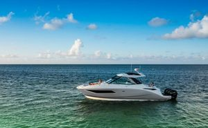 New Sea Ray Sundancer 320 OB Bowrider Boat For Sale
