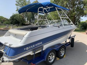 Used Four Winns Horizon 210 Ski and Wakeboard Boat For Sale