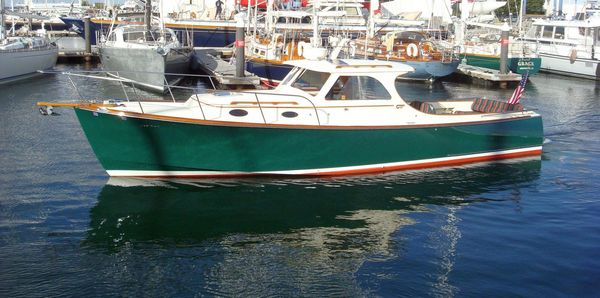 Used Hinckley 36 Classic Picnic Boat Downeast Fishing Boat For Sale