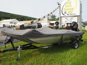 Used Lowe Stryker 17 Freshwater Fishing Boat For Sale