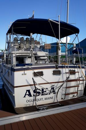 Used Chb Present 35 Sundeck Trawler Boat For Sale